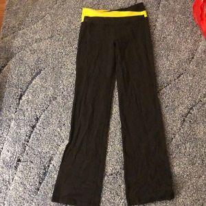 lululemon flared yoga pants size 6